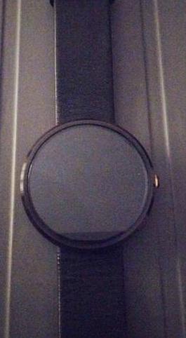 Motorola-360-smart-watch-ak_L101199310-1430759497_lg.jpeg