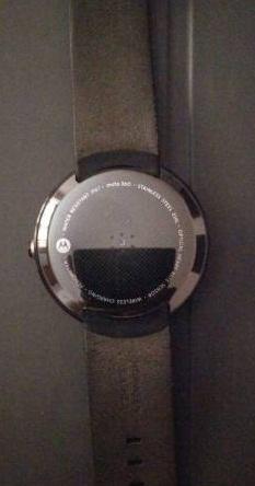 Motorola-360-smart-watch-ak_L1146335284-1430759491_lg.jpeg